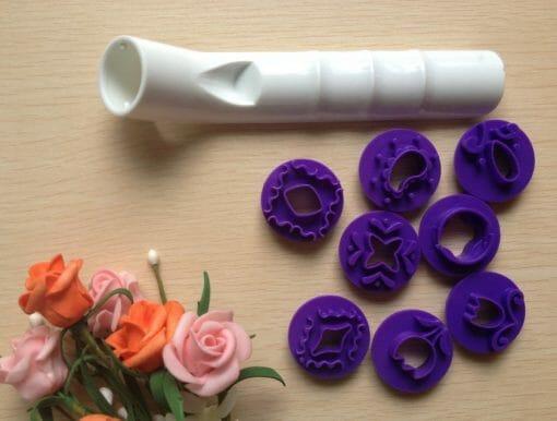 Kepinių dekoravimo įrankis